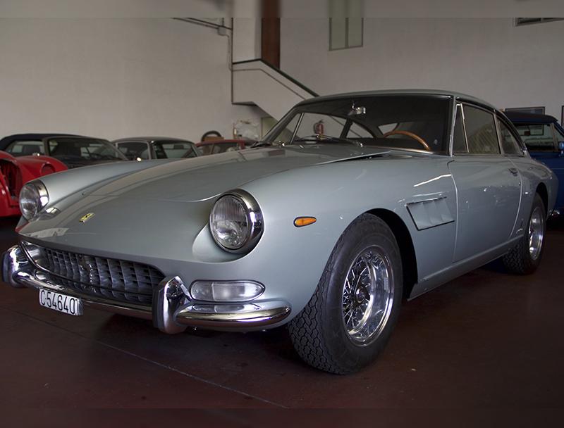 Ferrari 330 GT - FVC Clásicos y Deportivos